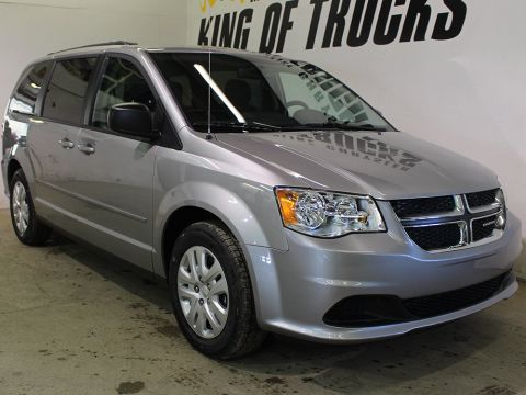 Pre-Owned 2017 Dodge Grand Caravan SXT | Back-Up Camera | DVD | Keyless Entry |